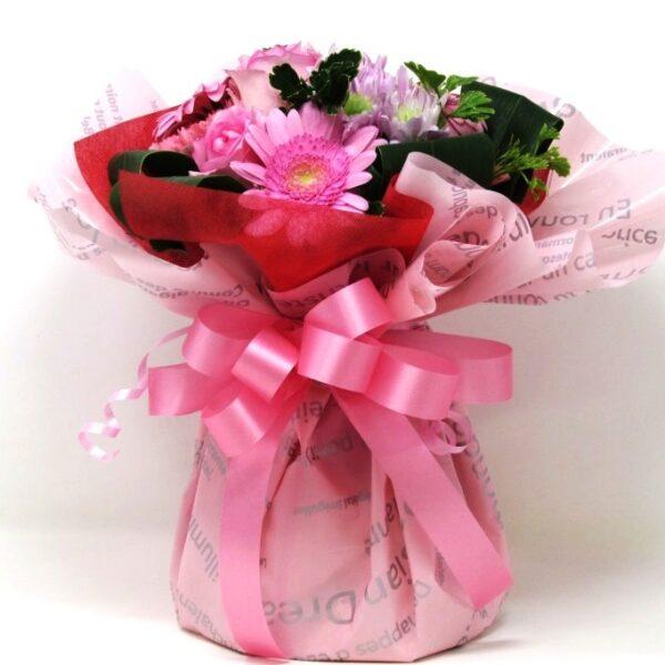 花瓶のいらない花束ピンク系