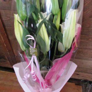 豪華なオリエンタルリリーの花束-白系